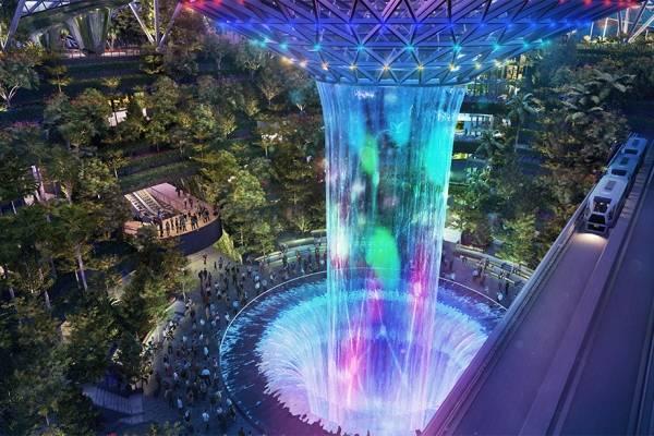 singapur-aeropuerto-chagi-cascada-artificial-508.jpg
