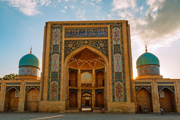 uzbekistan-tashkent-la-madrasa-de-barak-khan-312.jpg